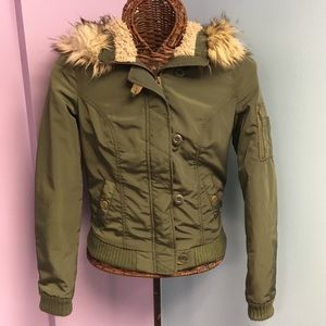Army Green AEO Bomber Jacket Fur Hood Sz XS